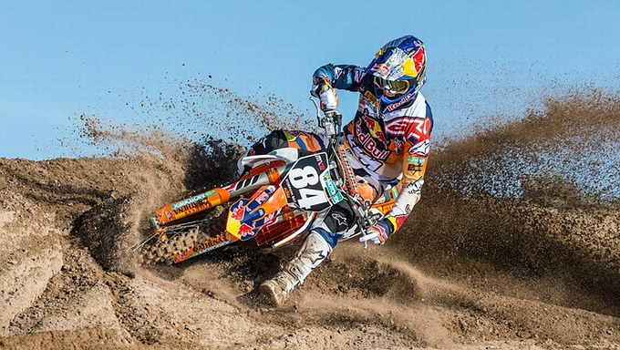 Jeffrey Herlings wint bij rentree in Italië