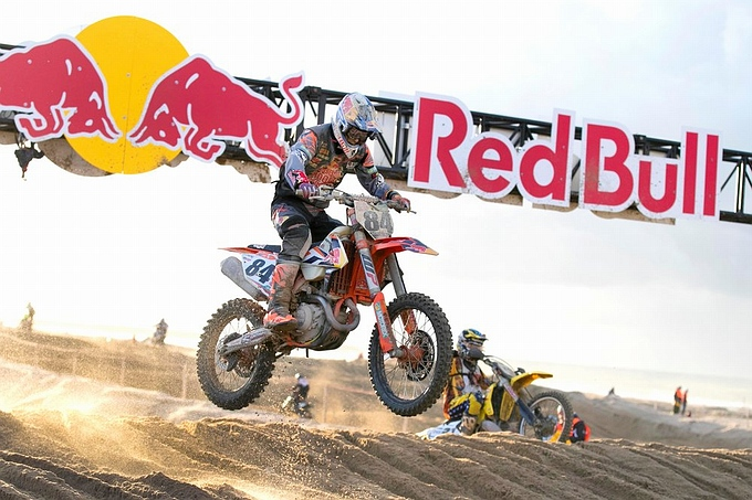 Jeffrey Herlings wint Red Bull Knock Out strandrace op Scheveningen
