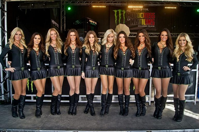 Monster Girls en Camping Party tijdens GP Valkenswaard